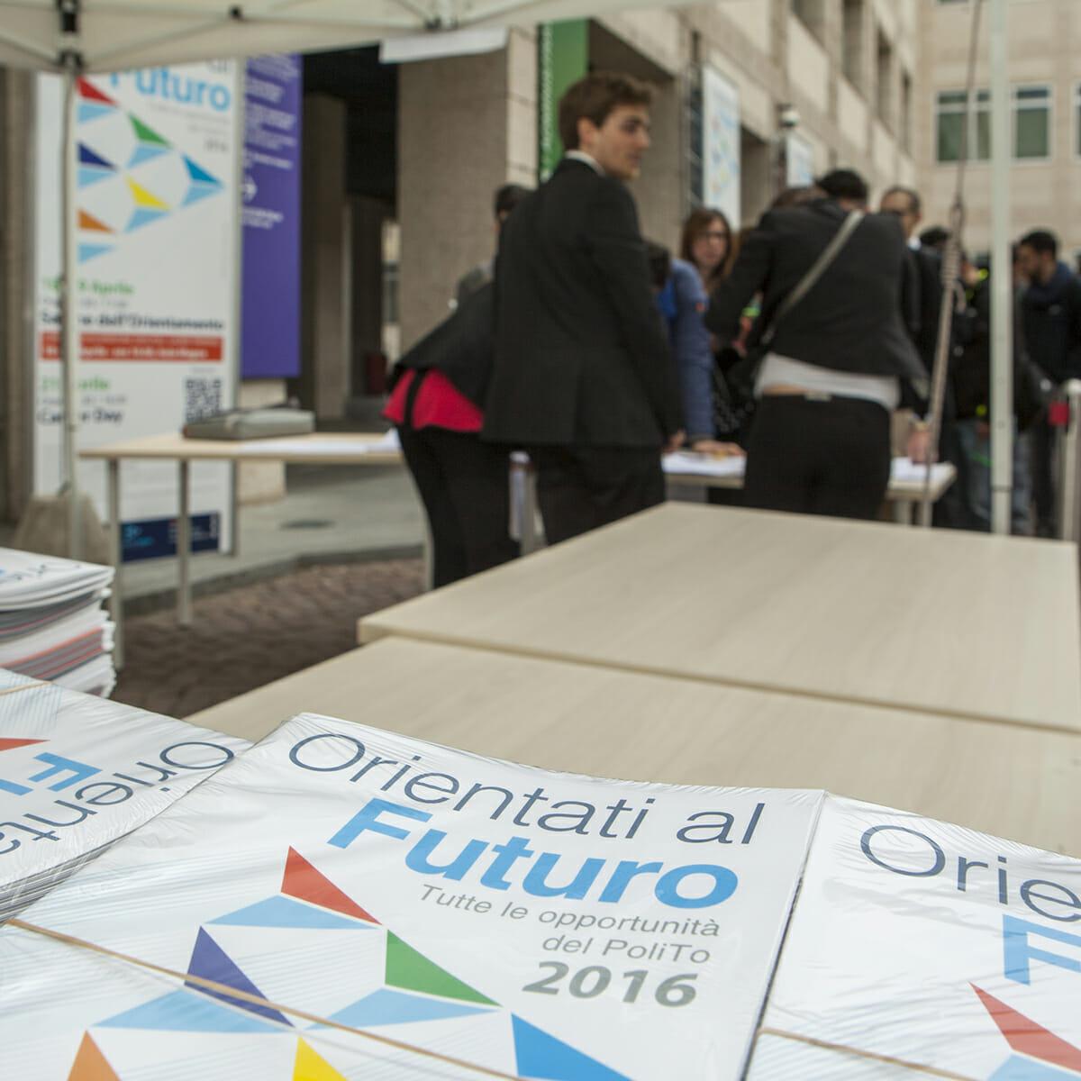 ORIENTATI AL FUTURO 2015 | 2016